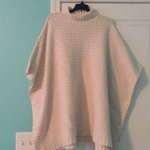Sweaters - Turtleneck sweater poncho